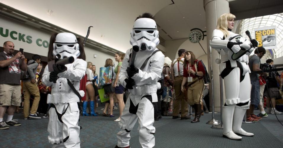 9.jul.2015 - Grupo de crianças Stormtroopers participa da San Diego Comic-Con