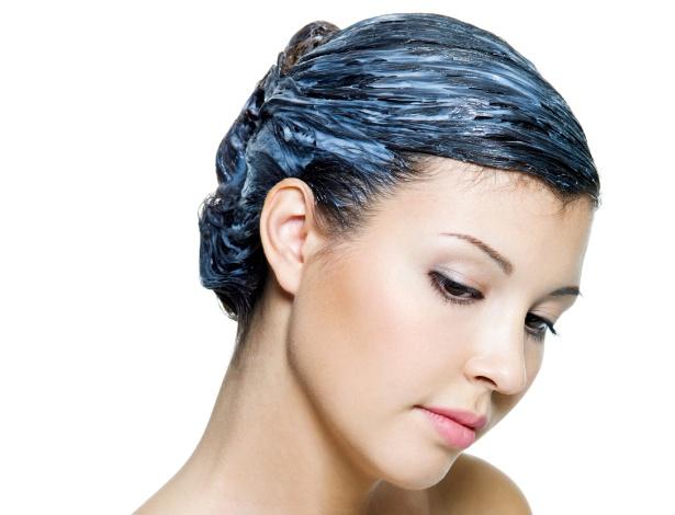 O segredo da hidratação está na identificação das necessidades do fio e na combinação de cosméticos que devolvam os nutrientes em falta aos cabelos - iStock