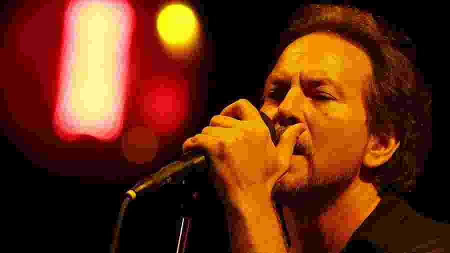 14.nov.2015 - A banda Pearl Jam se apresenta no estádio do Morumbi, em São Paulo - Flavio Florido/UOL