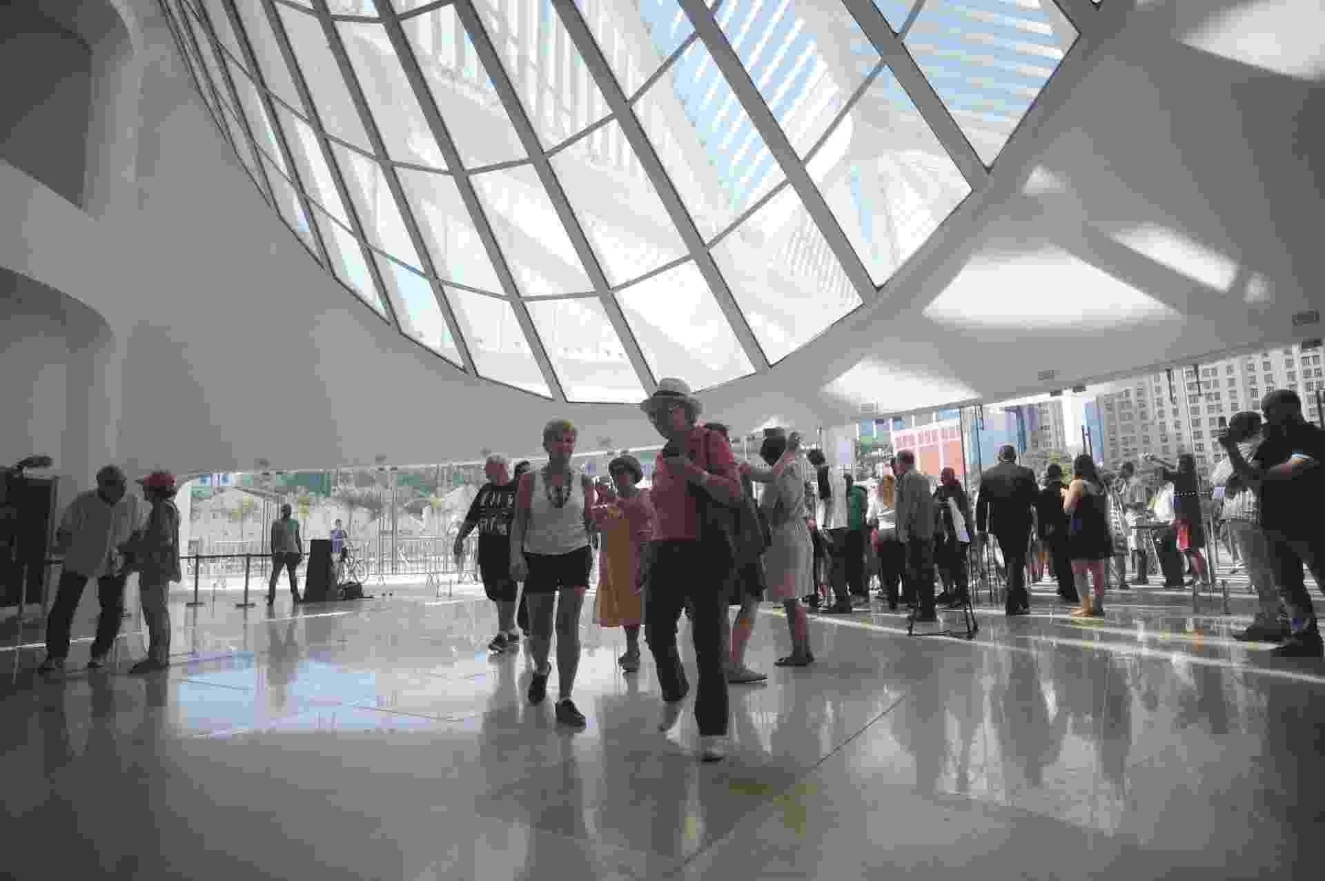 19.dez.2015 - Museu do Amanhã é inaugurado na Praça Mauá, Zona Portuária do Rio de Janeiro - Fabio Teixeira /UOL