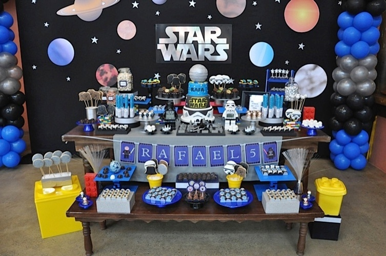 Fã dos filmes e dos games LEGO