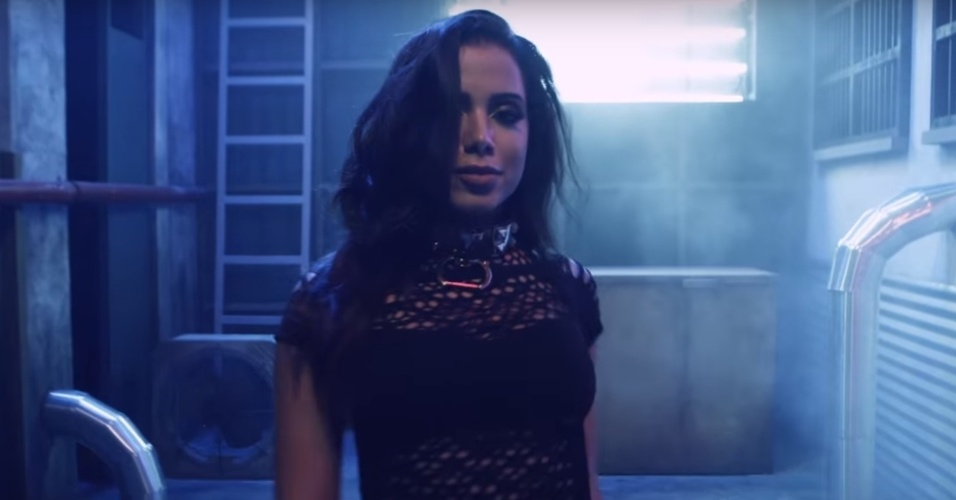"""A cantora Anitta sensualiza no novo clipe de """"Ginza"""" do cantor colombiano J Balvin"""
