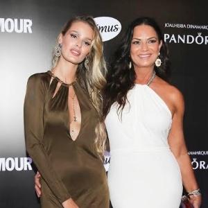 Filha e mãe, Yasmin e Luiza Brunet posam juntas em premiação em São Paulo - Manuela Scarpa e Rafael Cusato/Brazil News