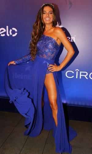 16.fev.2017 -  Isis Valverde no Baile de Carnaval da Vogue, no hotel Unique, em São Paulo