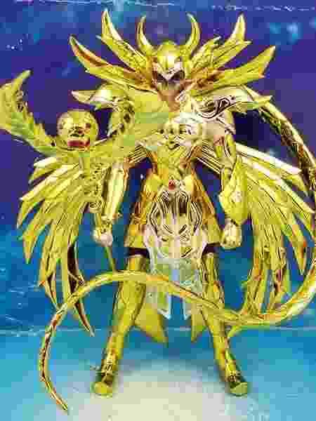 Fãs já criaram versões próprias de bonecos do Cavaleiro de Ouro de Serpentário - Divulgação