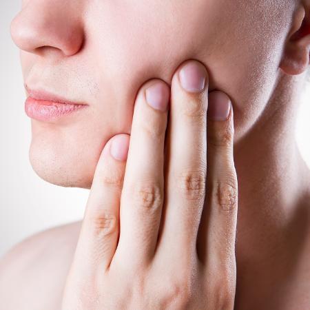 Estresse, dieta e escovação influenciam a sensibilidade nos dentes - iStock