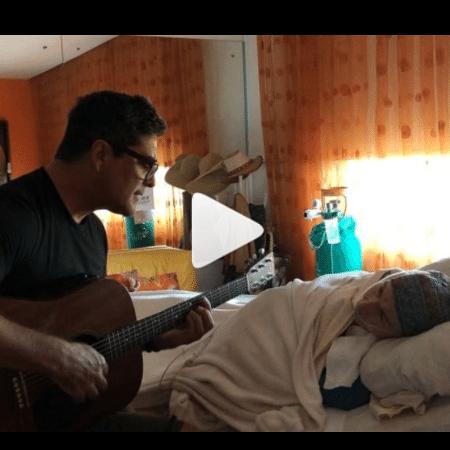 Junno canta para Dona Alda, mãe de Xuxa - Reprodução/Instagram
