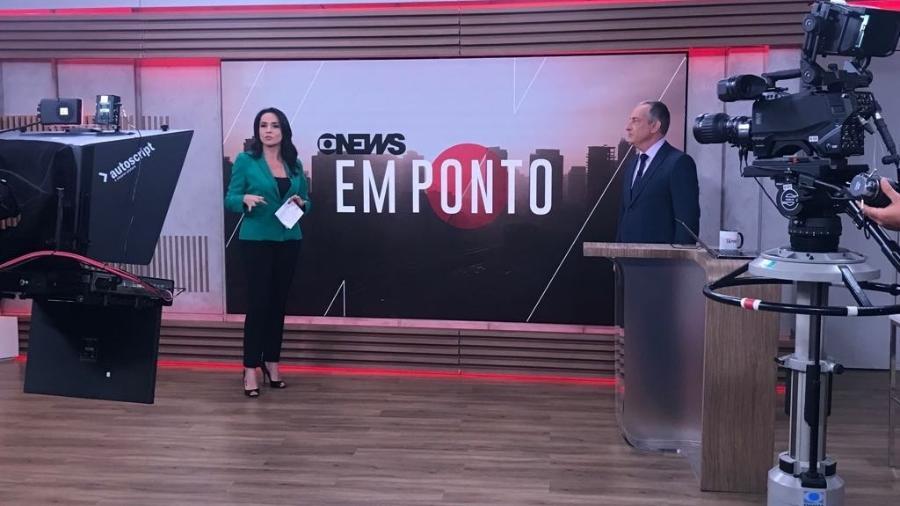 """À direita, José Roberto Burnier à frente do telejornal  """"Em Ponto"""", da GloboNews - Divulgação"""