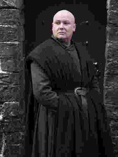 Varys (Conleth Hill) em cena de Game of Thrones - Divulgação