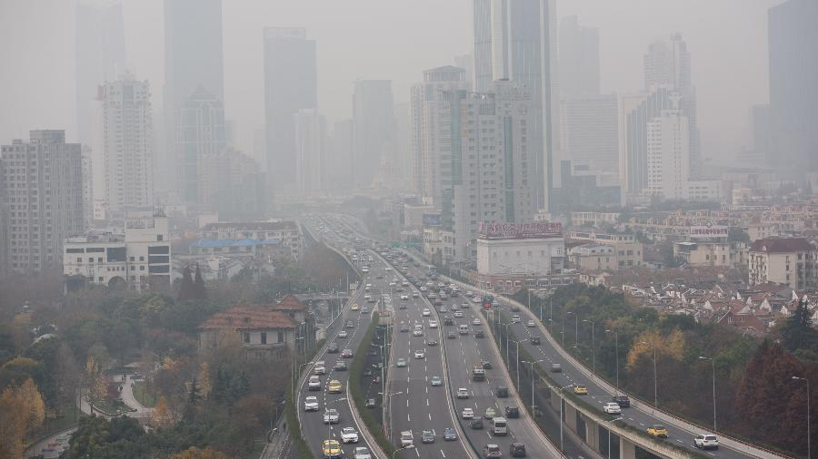 Uma de cada oito mortes na Europa está ligada a poluição e outros fatores ambientais, diz UE - JOHANNES EISELE/AFP