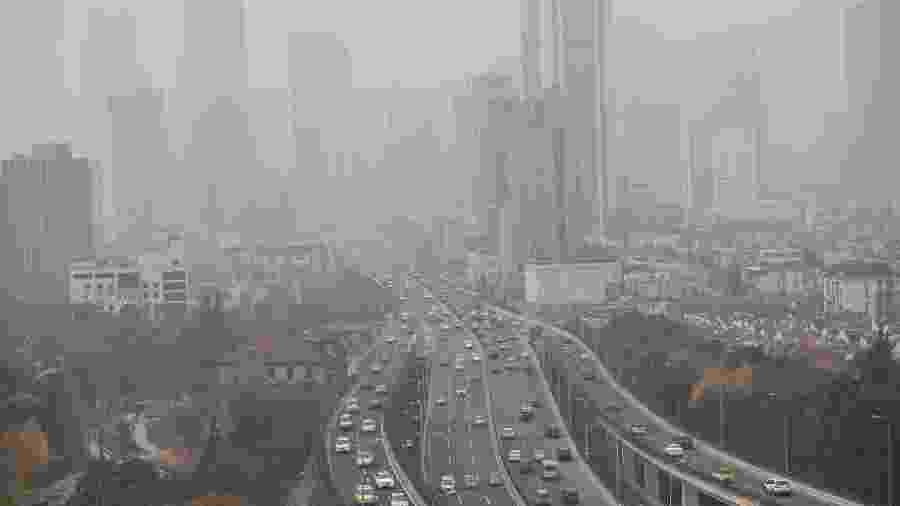 Poluição em Xangai - JOHANNES EISELE/AFP