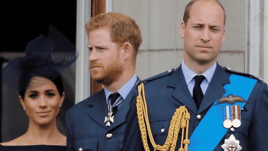 """""""Estamos certamente trilhando caminhos diferentes no momento, mas sempre o apoiarei"""", disse Harry sobre William (dir.) - AFP"""