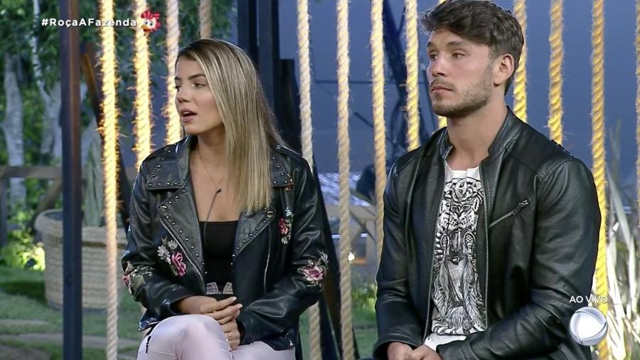 Hariany Almeida e Lucas Viana durante A Fazenda 2019 - Reprodução/RecordTV