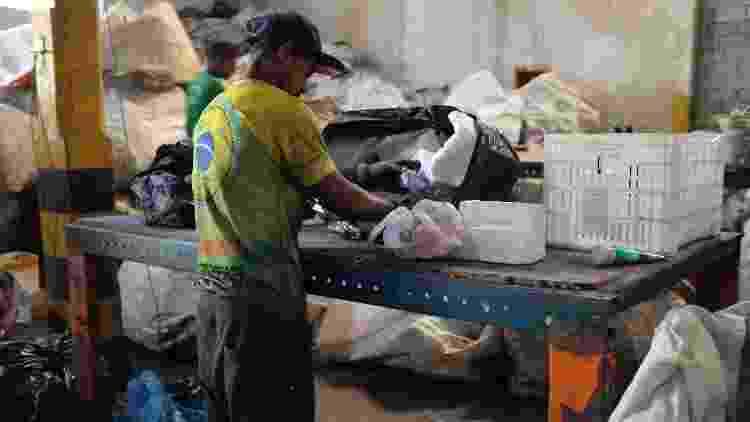 Produção de produtos distribuídos pela Positiva, empresa de itens de limpeza ecológicos - Divulgação - Divulgação