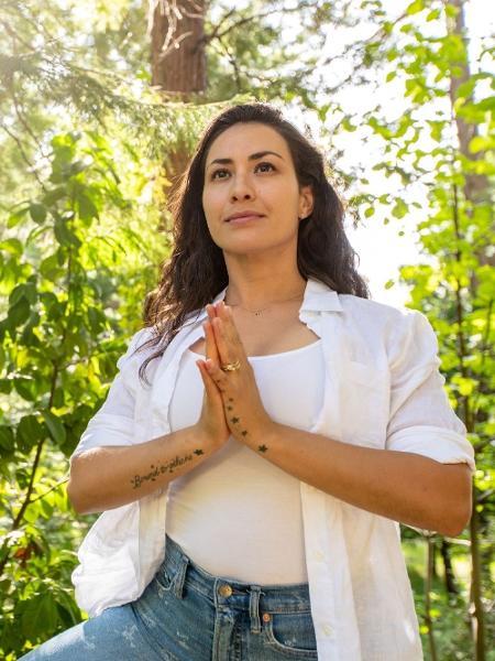 A professora de Yoga Priscilla Leite diz que viver no momento presente sempre foi importante, mas em época de incertezas, se torna crucial para a saúde mental e física - Arquivo Pessoal