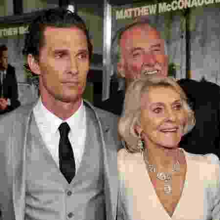 Matthew McConaughey, Kay McCabeat e James Donald McConaughey - Lester Cohen/Colaborador Getty Images