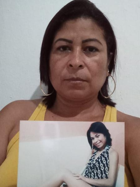 A servidora pública Mônica Dias,  45, de Penedo (AL), luta para sepultar o corpo da filha assassinada há 9 anos; restos mortais foram encontrados em abril - Arquivo pessoal
