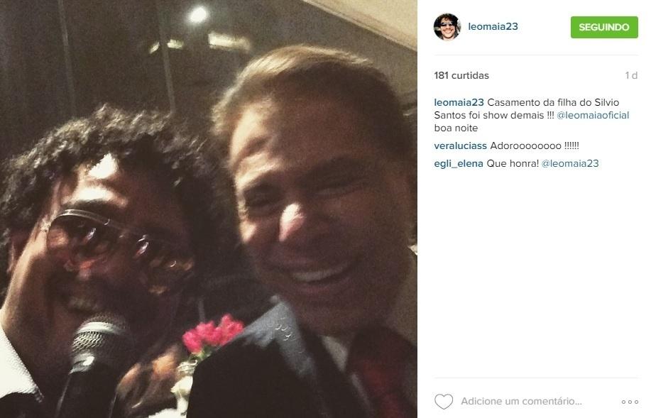 Leo Maia faz selfie com Silvio Santos no casamento de Rebeca Abravanel, filha do apresentador