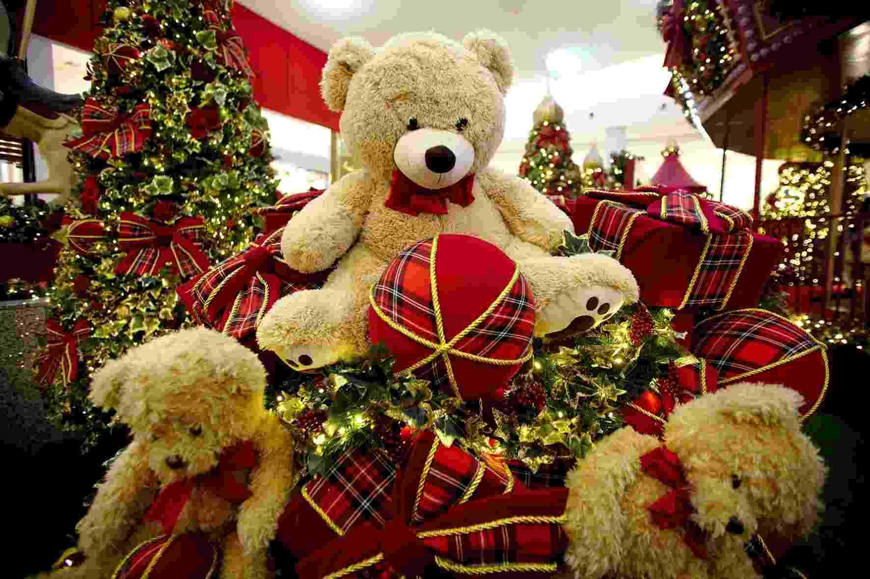 Ursos da decoração do Shopping Center Norte, assinada por Cecilia Dale. O atendimento do Papai Noel vai até 24 de dezembro. Onde: Travessa Casalbuono, 120, Vila Guilherme. Mais informações: http://centernorte.com.br/ - Divulgação