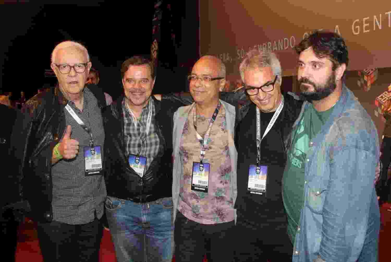 5.dez.2015 - Ney Latorraca, Diogo Vilela, Claudio Manoel e o roteirista Claudio Paiva (Mister Brau) no painel sobre a TV Pirata na Comic Con Experience - Brazil News