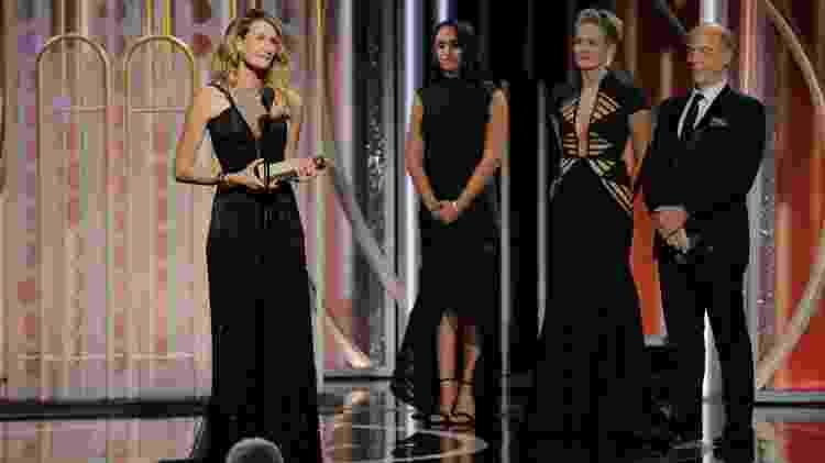 Laura Dern recebe o Globo de Ouro por primeira temporada de Big Little Lies - Getty Images - Getty Images