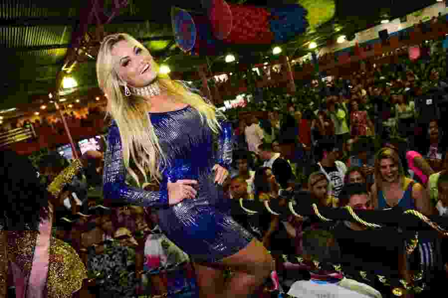 Rainha da bateria da Rosas de Ouro, Ellen Rocche prestigia a final do samba-enredo em São Paulo - Leo Franco/Ag.News