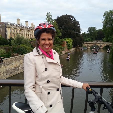 A jornalista Fernanda Mira mora na Inglaterra - Arquivo pessoal