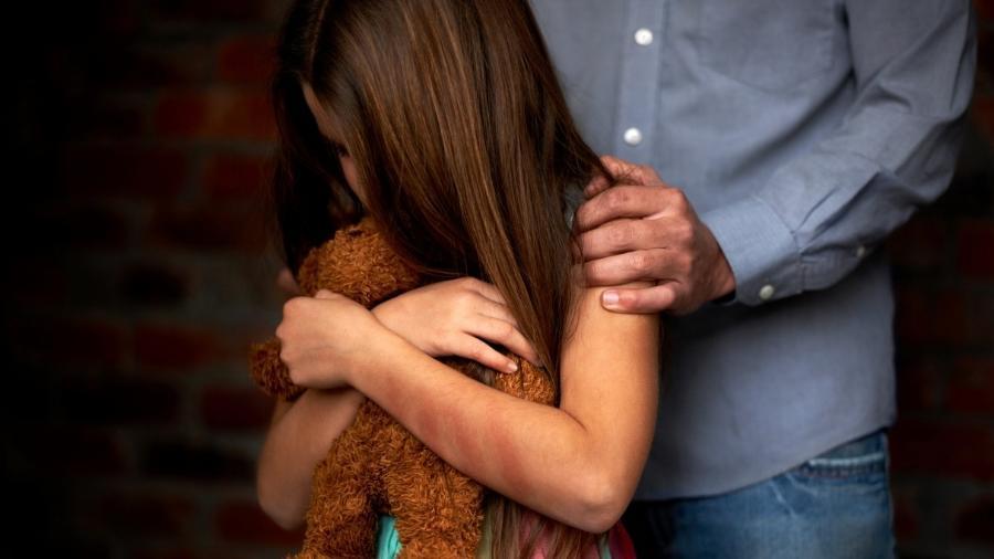 Abuso sexual infantil: mãe é sempre responsabilizada quando o filho sofre violência - iStock