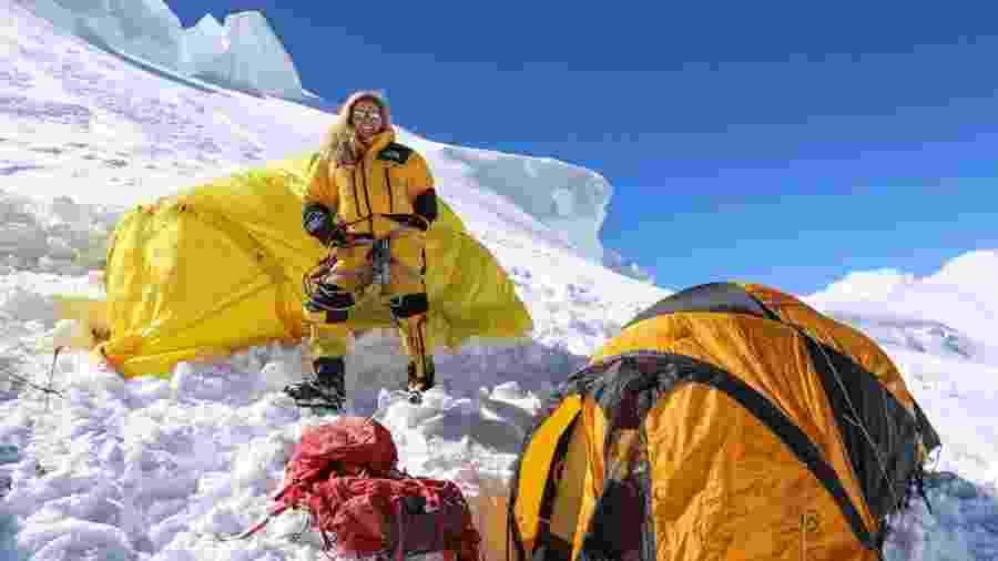 Karina Oliani em escalada no monte K2, na fronteira entre o Paquistão e a China - Pitaya/Divulgação