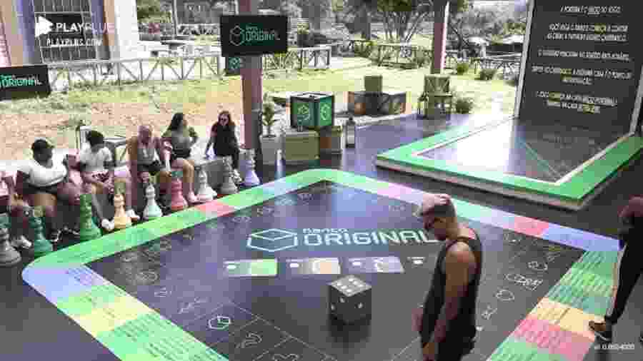 A Fazenda 2020: Peões brincam em jogo de tabuleiro com perguntas sobre o reality - Reprodução/RecordTV