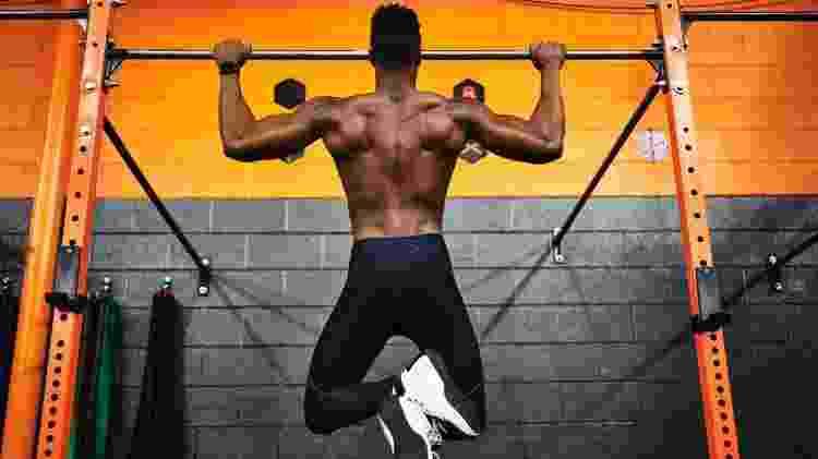 barra fixa, exercício, treino - iStock - iStock