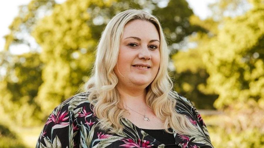Sarah tem características genéticas que favorecem o acúmulo de gordura - Joanne Crawford/BBC