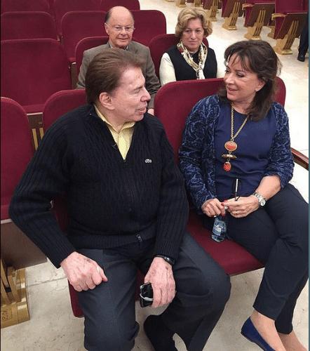 2.ago.2015 - Silvio Santos se encontra com Edir Macedo