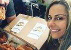 Viviane Araújo esquece dieta na véspera de Natal e mostra presente: uma caixa de rabanadas - Reprodução/Instagram/@araujoviviane