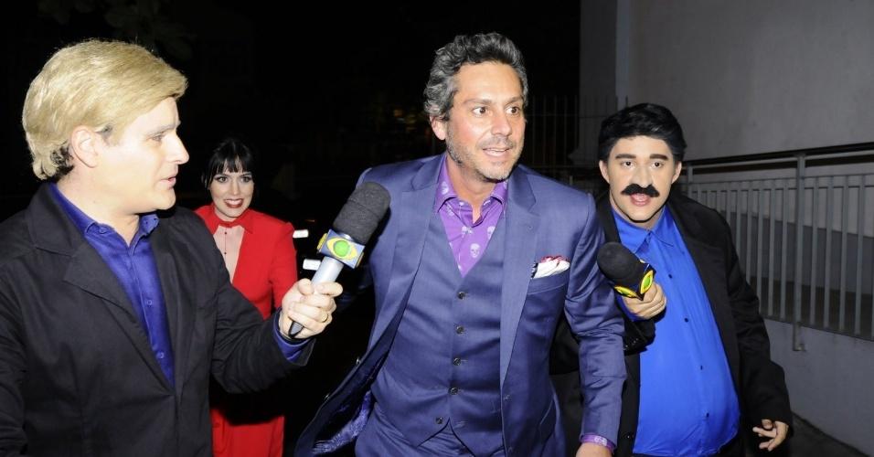 02.mar.2016 - O ator Alexandre Nero chegou atrasado para o casamento.