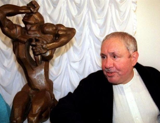 O escultor Ernst Neizvestny, nascido na União Soviética e naturalizado americano - Alexander Demianchuk/Reuters