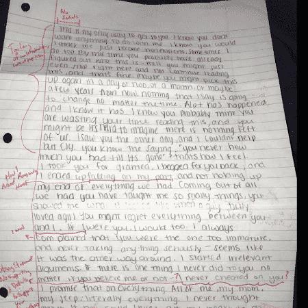 Carta de ex-namorada foi devolvida com correções gramaticais e de estilo - Reprodução/Twitter