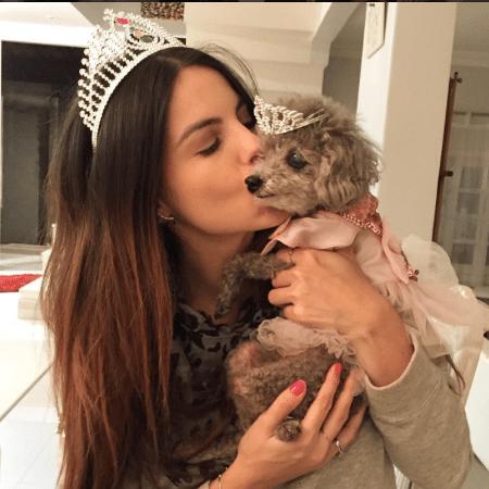 Sthefany Brito e sua cachorrinha  - Reprodução/Instagram/sthefanybrito