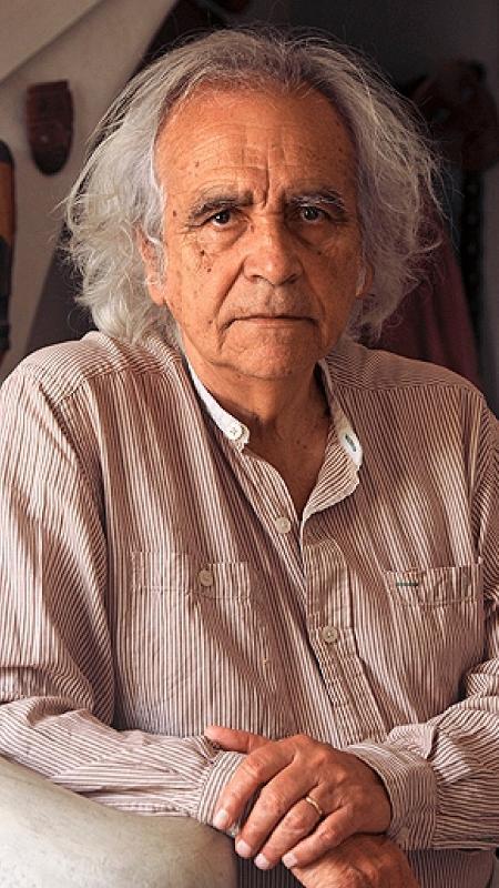 O poeta Arturo Corcuera - Reprodução