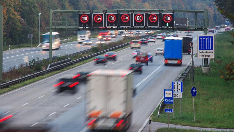 Nas rodovias da Alemanha, são poucos os trechos com limite de velocidade - Getty Images/iStockphoto