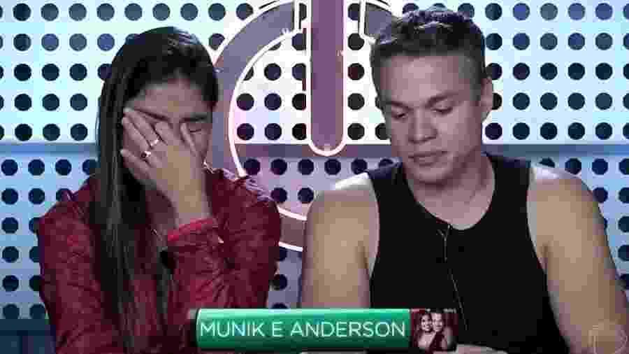 """Munik e Anderson em prova do """"Power Couple Brasil"""" - Reprodução/TV Record"""