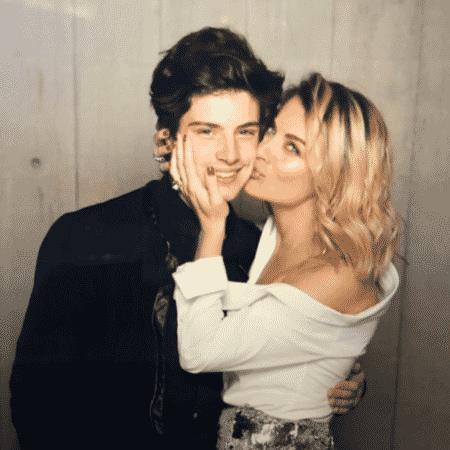 Ludwika Paleta com o filho, Nicolás - Reprodução/Instagram