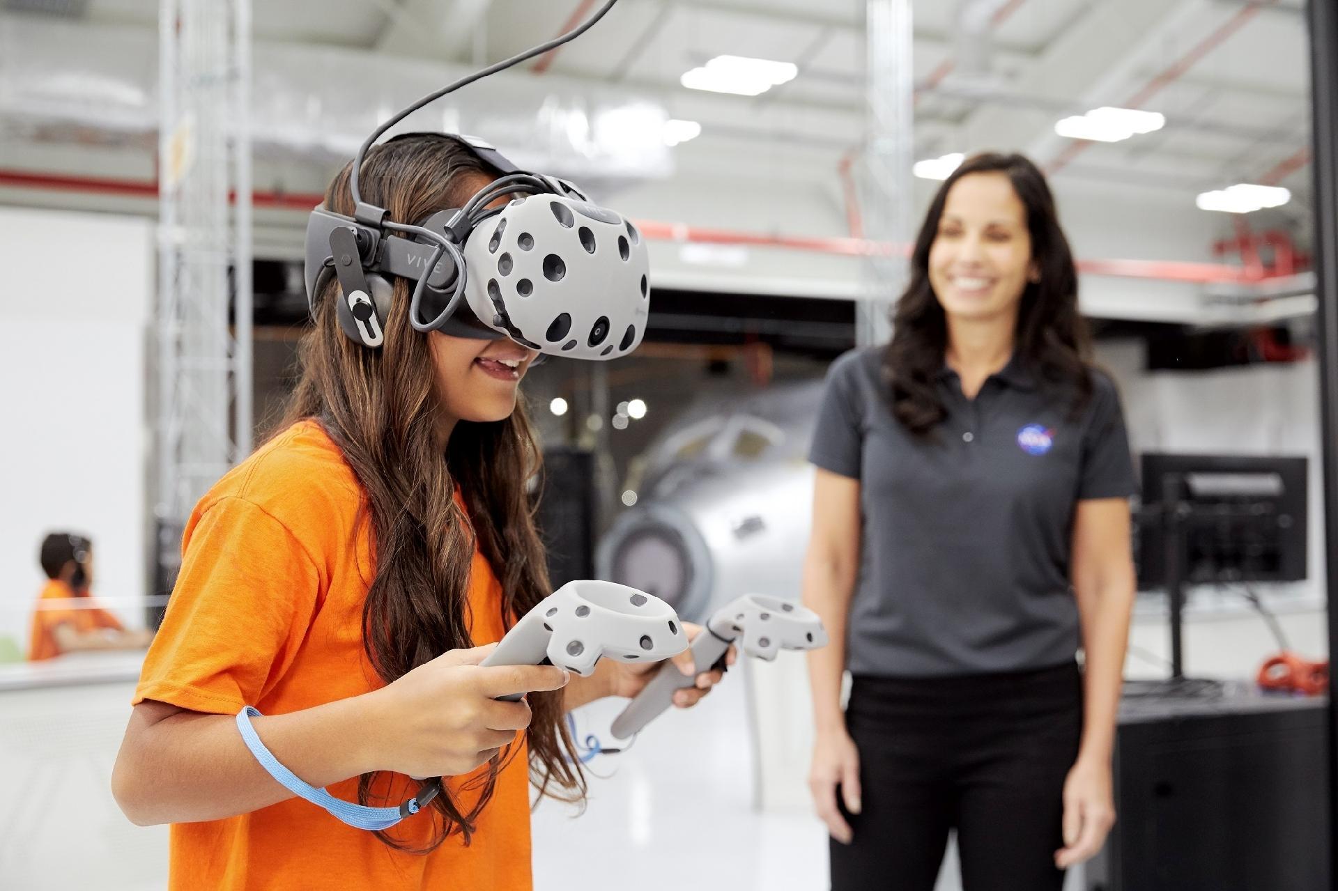 Em centro da Nasa, na Flórida, turista pode simular viagem a Marte