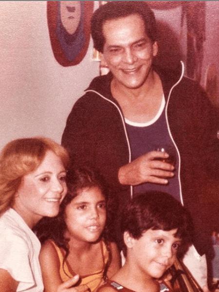 Foto antiga de Lúcio Mauro com a família - Reprodução/Instagram