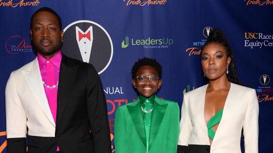 Dwyane Wade com a filha transgênero, Zaya, e Gabrielle Union em evento em Los Angeles - Andrew Toth/Getty Images