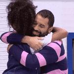 BBB 21: Gilberto e Lumena se abraçam - Reprodução Globoplay