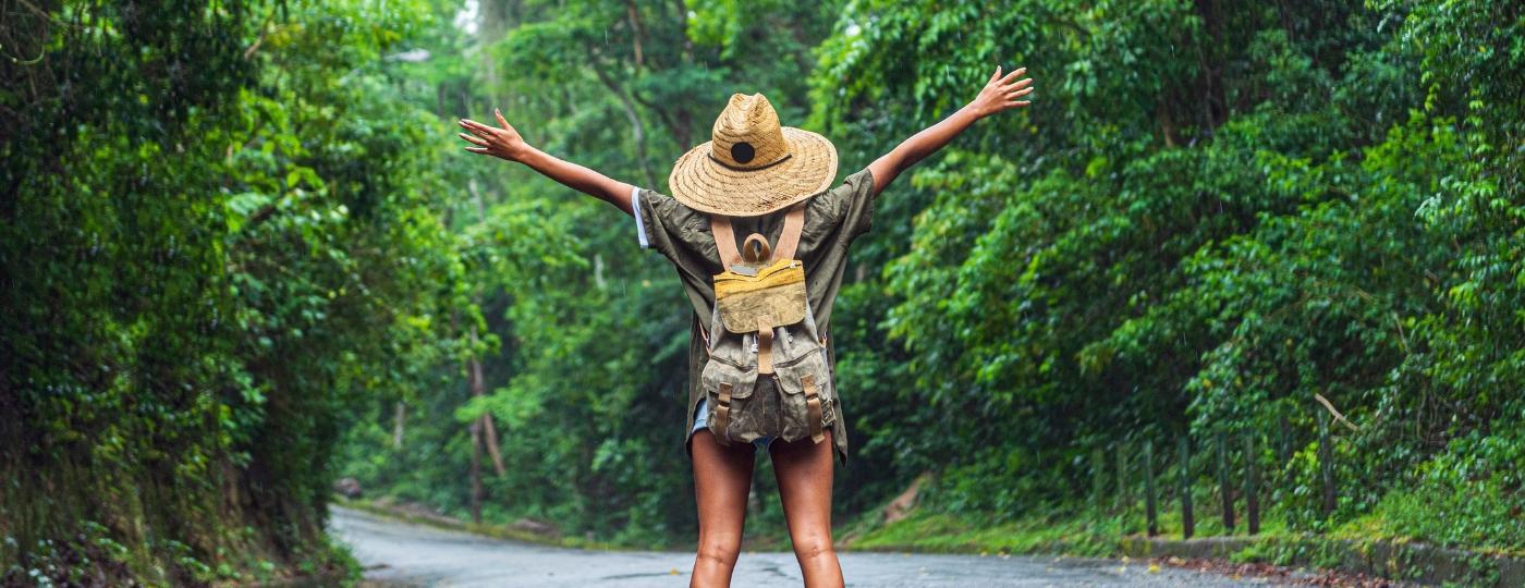 Viagem minimalista defende bagagem mais leve e mais experiências nos destinos - Getty Images