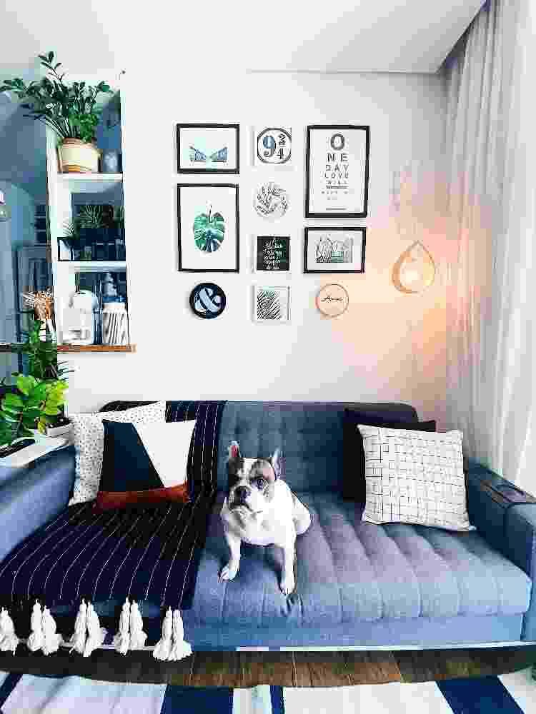 O gallery wall que fizemos aqui em casa para o passo a passo do episódio de hoje - Apto21/UOL - Apto21/UOL