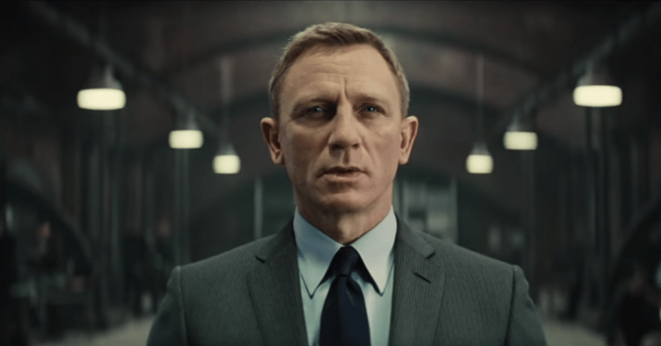 Daniel Craig no papel de James Bond no longa