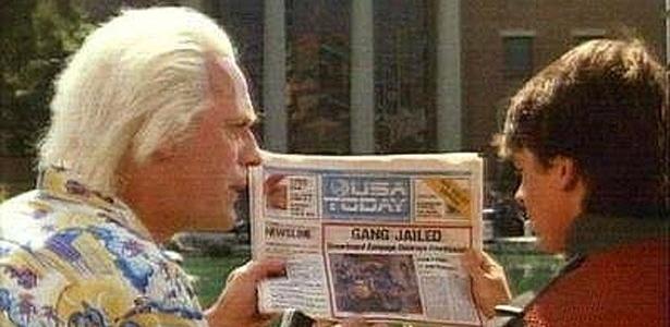 """Filme """"De Volta Para o Futuro 2"""" mostra notícia em jornal em vez de internet - Divulgação"""
